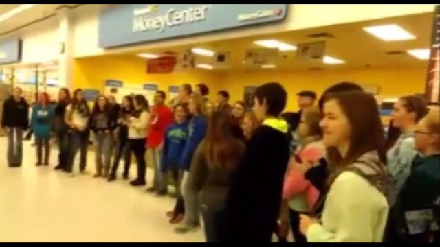 High schoolers kicked out of Walmart for singing carols
