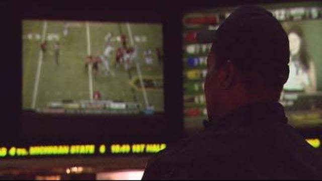 Sportsbooks Bank on College Bowl Games
