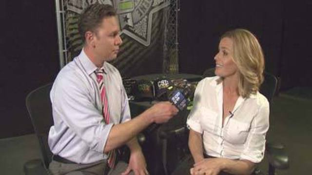 Actress Elisabeth Shue Talks with 8 News NOW