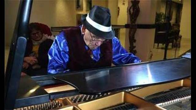 Las Vegas Piano Man in Tune with his Passion