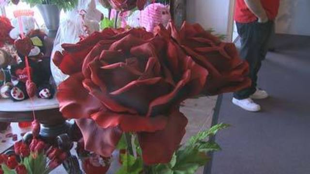 8 on Your Side: Tips on buying Mother's Day flowers