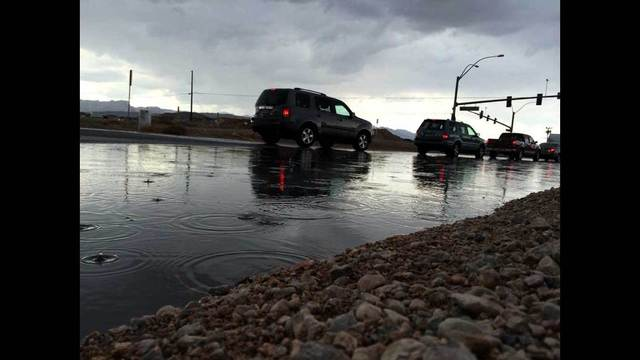 Afternoon thunderstorms cause minor street flooding