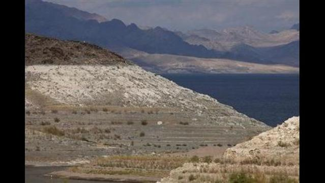 Water levels at Lake Mead drop to new low