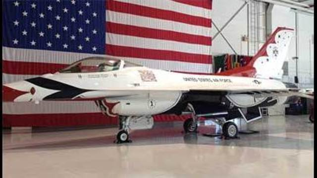 Thunderbirds Get 'Thumbs Up' to Fly After 11-Month Hiatus