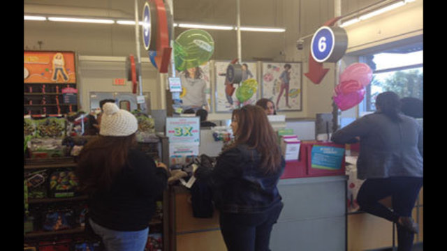 Shoppers Take Advantage of Early Hours