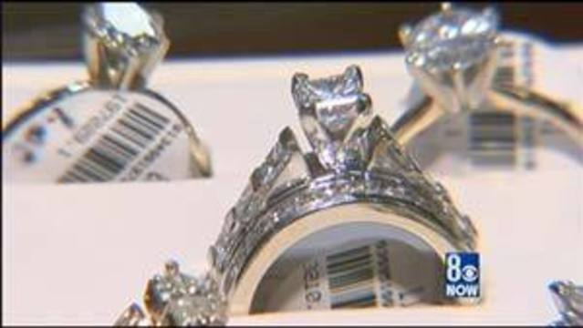 Jewelry Shoppers Find Bargains at Las Vegas Liquidation Center