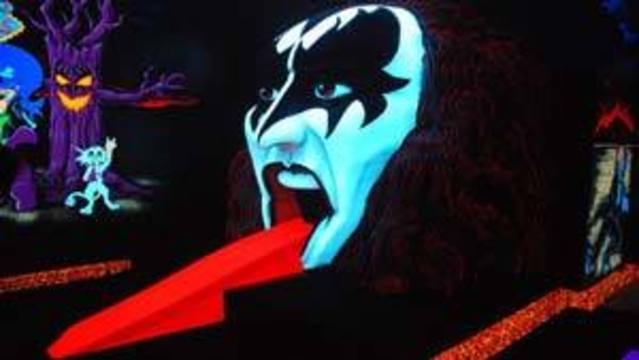 KISS-Themed Miniature Golf Course Opens in Las Vegas