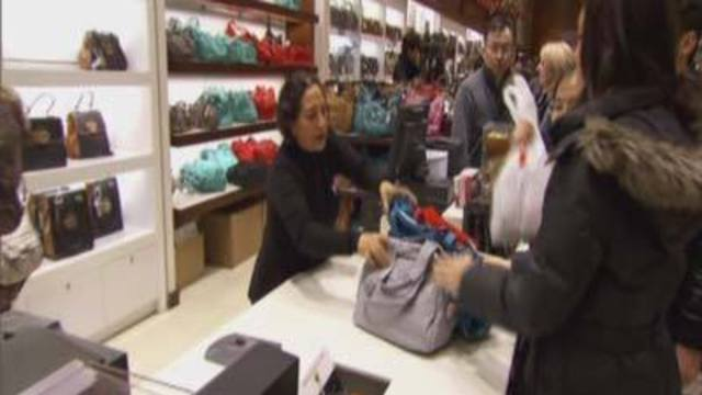 8 on Your Side Breaks Down Holiday Shopping Deals