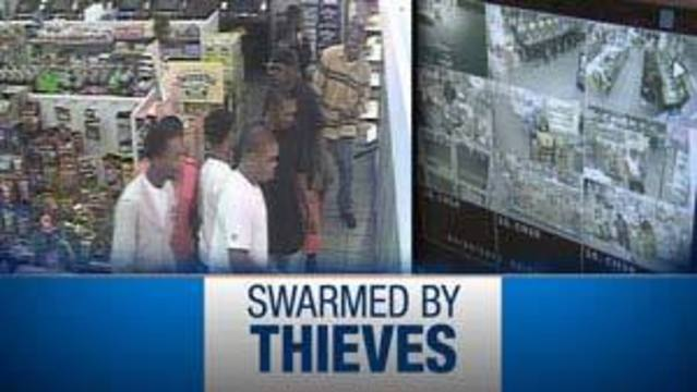 Mob of Thieves Swarms Las Vegas Convenience Store
