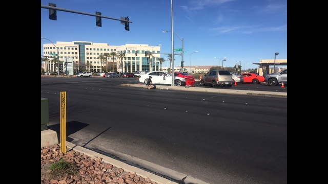 Authorities name man dead after 5-vehicle crash in Henderson
