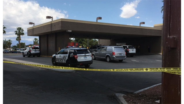 Police: Bank customers take down robbery suspect