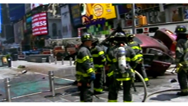 Car hits pedestrians in New York's Times Square