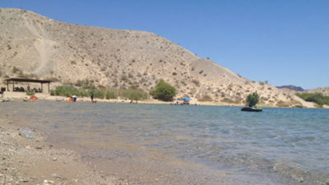 Body of teen pulled from water at Lake Mohave