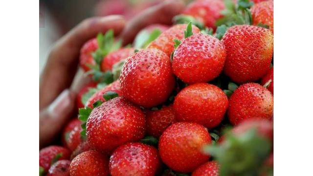 Strawberries again top 2018's'Dirty Dozen fruits and veggies