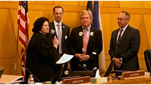 New Clark County commissioners sworn in Monday