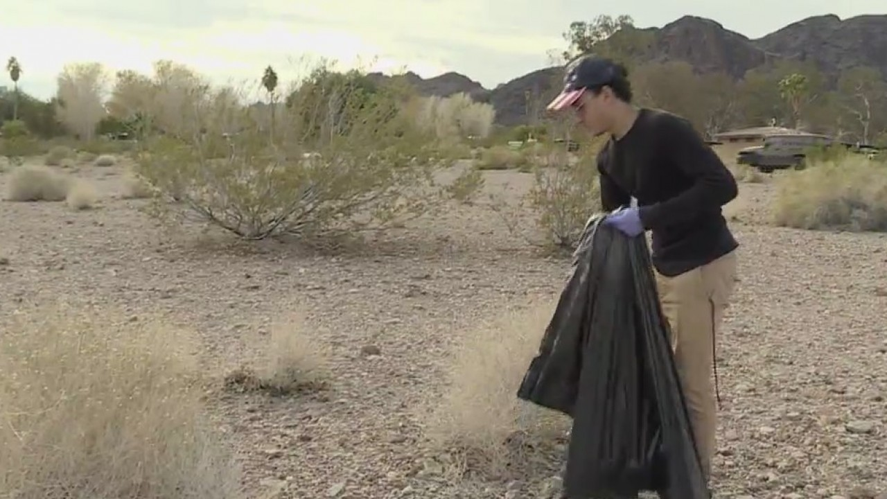 Volunteers Clean Up Lake Mead In Wake Of Government Shutdown