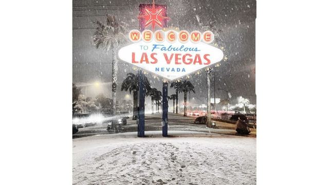 Las_Vegas_Sign_snow_from_TheSuarezzz_on_Twitter_1550732604175.JPG